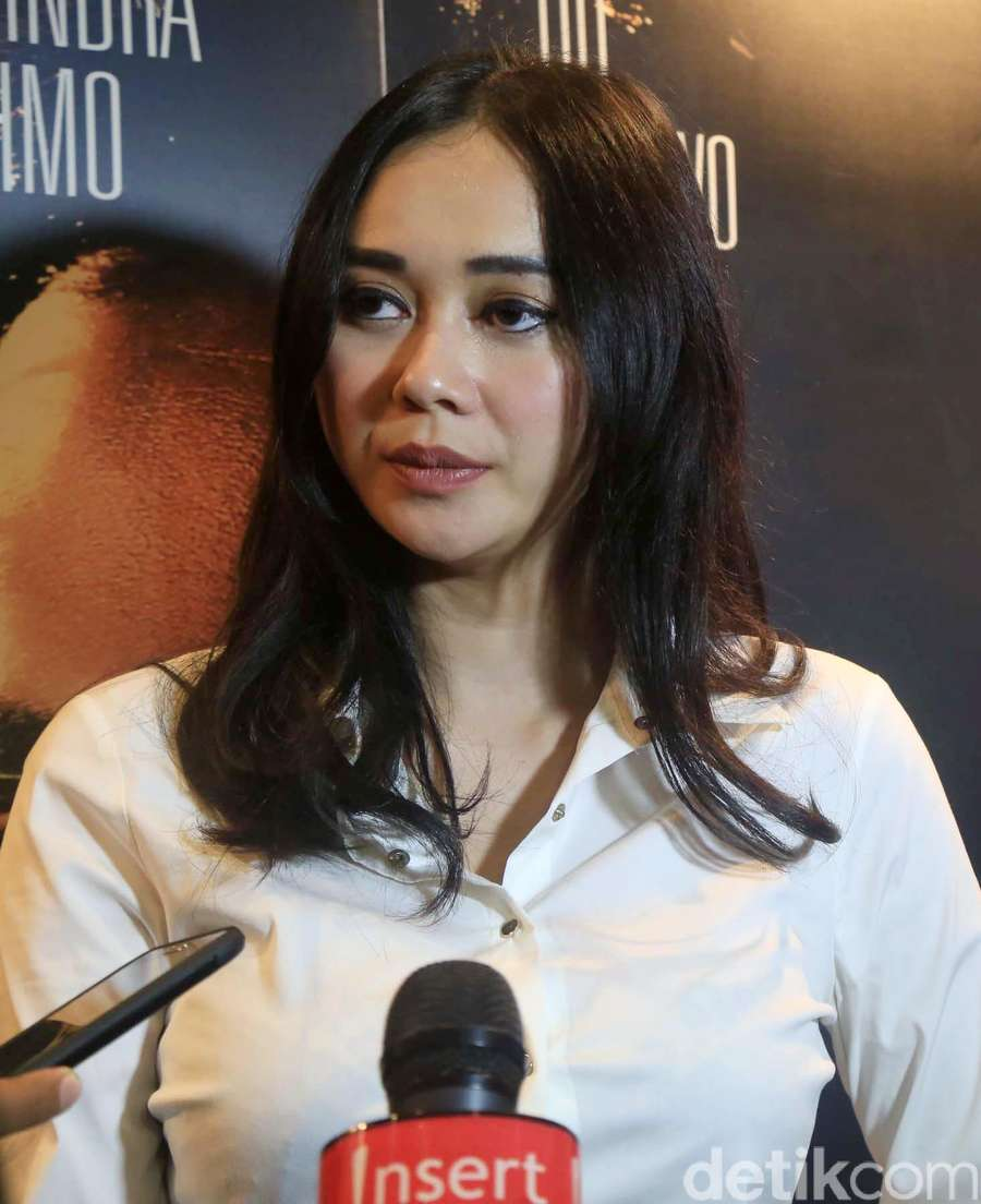 Aura Kasih dan Glenn Fredly Nonton Jakarta Undercover