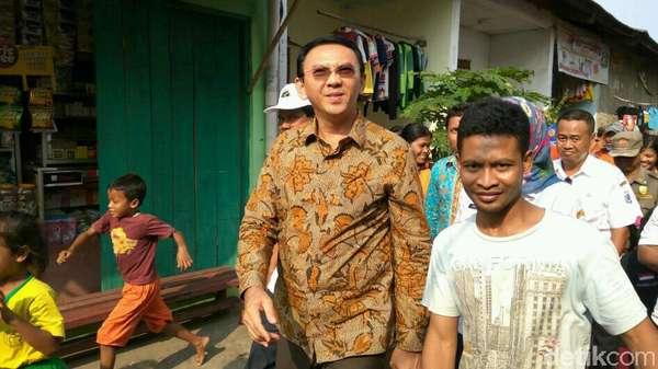 Ahok Melayat ke Rumah Dennis Petugas PPSU yang Terseret Banjir