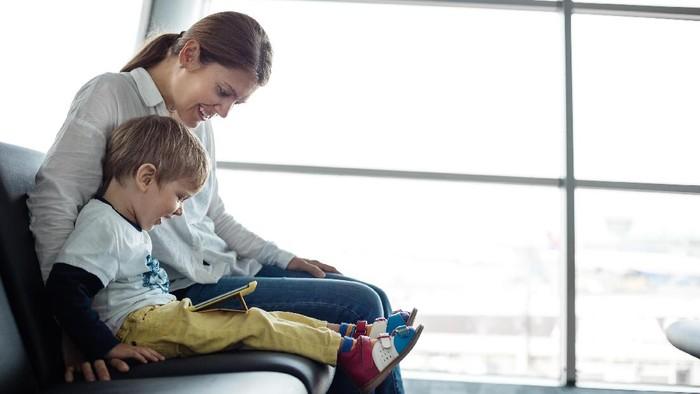 Orang tua berperan mengawasi perilaku anak di medsos (Foto: ilustrasi/thinkstock)