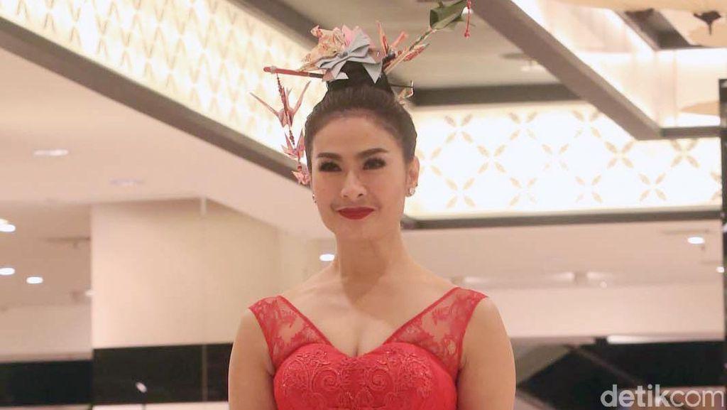 Ada Jadwal Syuting, Iis Dahlia Tolak Undangan Jokowi ke Pernikahan Kahiyang