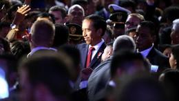 Jokowi: Trans Papua Dibangun Siang Malam Agar Ada Keadilan