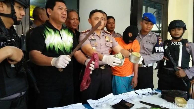 Pelempar Bondet ke Polisi Mojokerto Terkenal Sadis