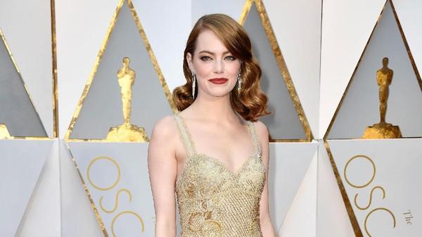 La La Land Tak Jadi Menang, Emma Stone Bersyukur Jadi Aktris Terbaik