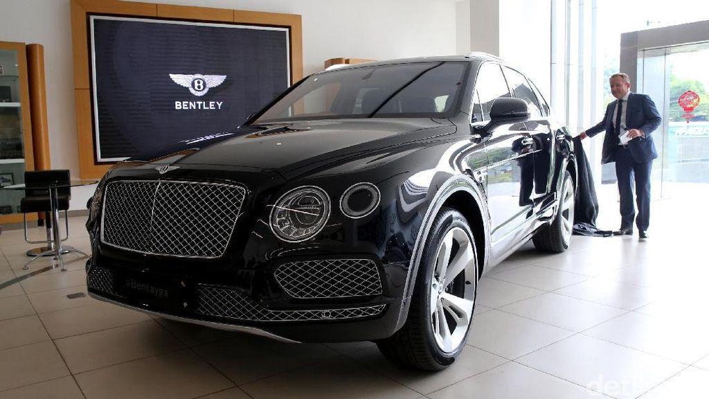 SUV Terkencang Bentley Bakal Ada Mesin yang Lebih Kecil