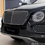Bentley SUV Buka Pasar Baru