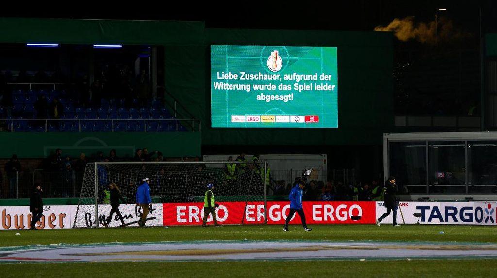 Laga Dortmund di Piala DFB Ditunda Akibat Salju