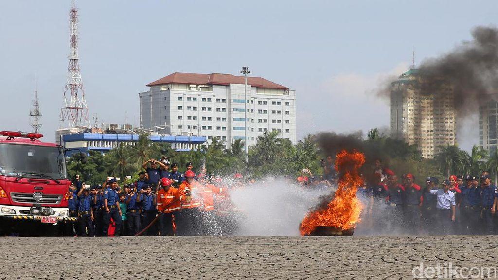 Sering Panas-panasan, Pemadam Kebakaran Berisiko Serangan Jantung