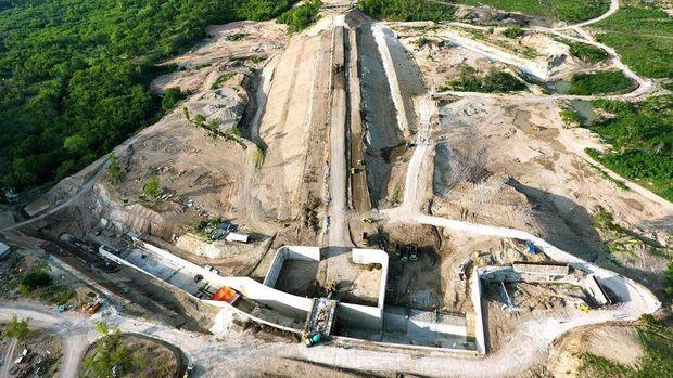 Proyek bendungan di NTT.