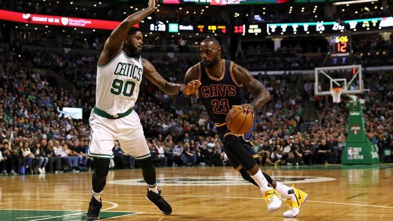 Triple-double James Tak Mampu Selamatkan Cavaliers dari Kekalahan