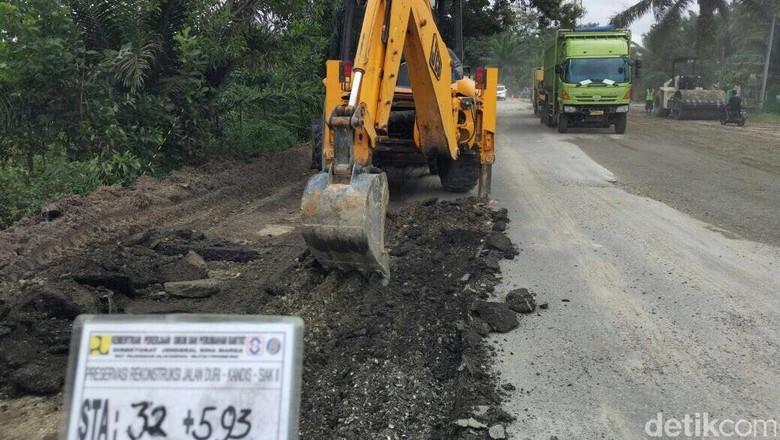 Waspada! Jalur Lintas Timur Sumatera Rawan Kecelakaan di Musim Hujan