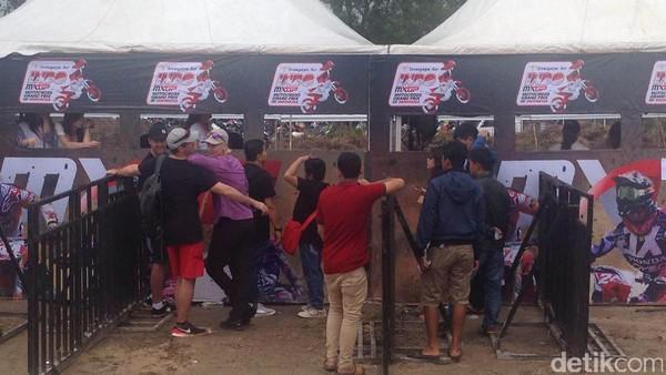 Indo MXGP Dimulai, Penonton Mulai Padati GOR Sahabuddin Pangkalpinang