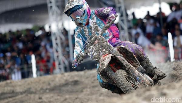 Nancy Van De Ven Menangi <i>Race</i> 1 MXW