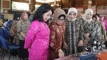 Istri Gubernur Soekarwo Dinilai Berhasil Bina UKM di Jatim