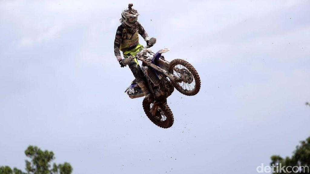 Race 1 MXGP Milik Shaun Simpson