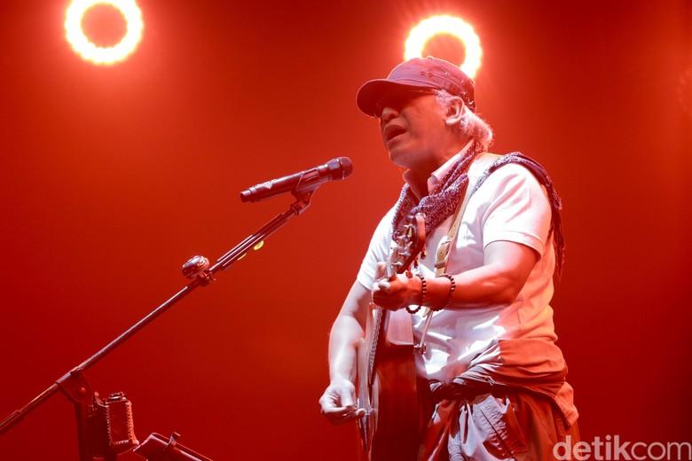 Alasan Iwan Fals Tampil di Konser Raising Hope