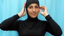 Wanita Berhijab Dilarang Renang Pakai Burkini di Beberapa Hotel Mesir