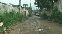 Jalan Ini Rusak Parah, Belum Ada Perhatian dari Pemkot Depok