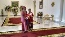 Batik dan Mutiara dari Iriana untuk Para Istri Kepala Negara