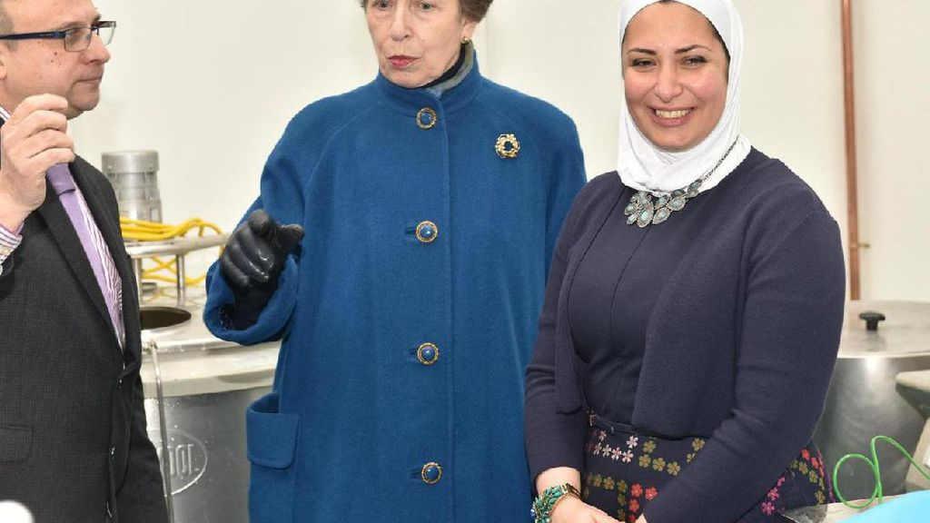 Pengungsi Suriah Ini Sukses Membuat Usaha Halloumi Cheese di Yorkshire