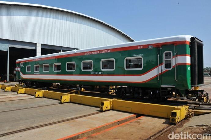 Ini Kereta dan Pesawat yang Dibanggakan Jokowi di Depan DPR