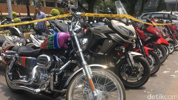 Koleksi Motor Mewah Bos Pandawa, Kawasaki Versys hingga Harley