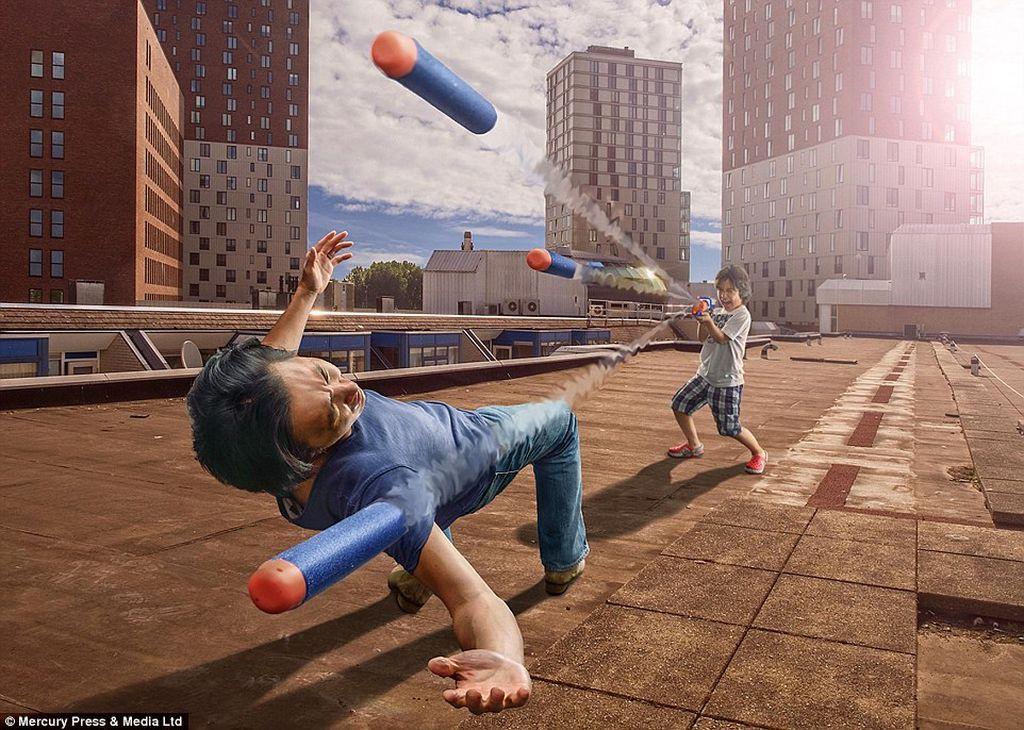Adalah Adrian Sommeling seorang ayah, fotografer dansenimandigital yang mampu menciptakan gambar-gambar surealis keren melalui photoshop. (Foto: Adrian Sommeling)
