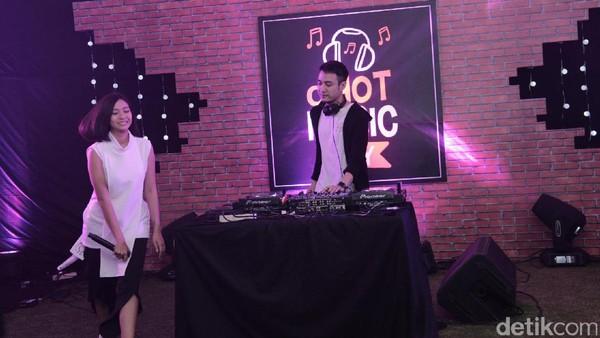 <i>Partygoers</i>! Midnight Quickie Panaskan dHOT Music Day Malam Ini