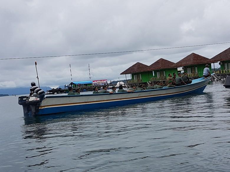 Menambang Emas Hijau dan Emas Biru di Maluku