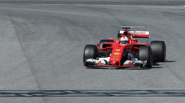 Vettel: Mercedes Tetap Favoritnya, Bukan Ferrari