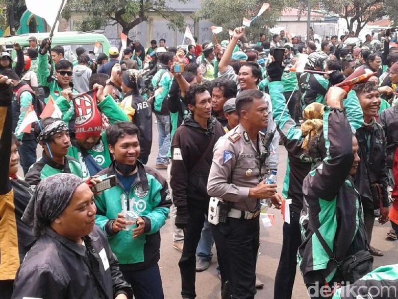 Dishub Tangerang Minta Kemenhub Tanggung Jawab soal Angkutan Online