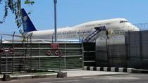 Persiapan Pesawat di Ngurah Rai Jelang Raja Salman ke Jepang