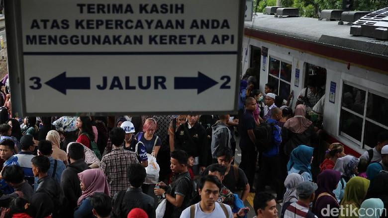 Siapa Saja yang Boleh Beli Rusun di Atas Stasiun Kereta?