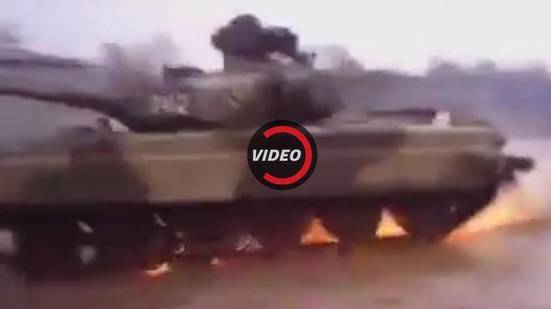 Gokil, Ngedrift dengan Tank Perang