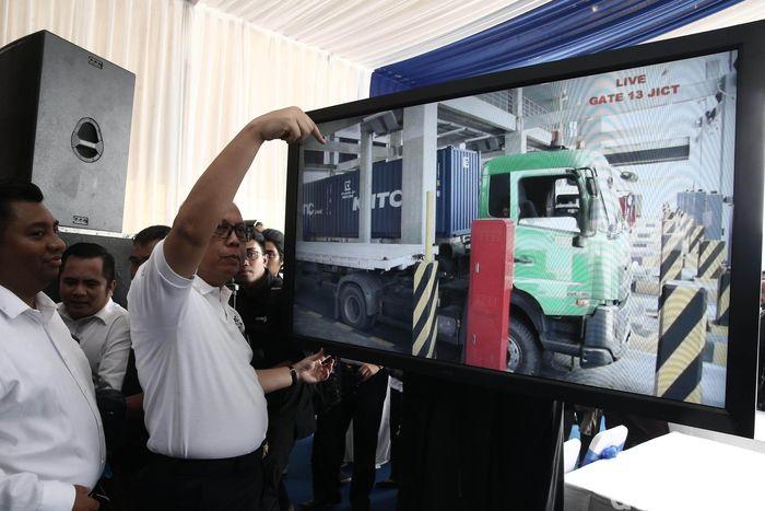 Deklrasi Truk Pelopor Keselamtan terselenggara atas kerjasama Kementerian Perhubungan (Kemenhub), Asosiasi Pengusaha Truk Indonesia (Aptrindo) dan PT. Jakarta International Container Terminal (JICT). Turut hadir pada kesempatan tersebut, perwakilan pengusaha dari Kadin Indonesia, Asosiasi Logistik dan Forwarder Indonesia (ALFI), INSA, serta dihadiri Kepala Otoritas Pelabuhan Tanjung Priok,I Nyoman Gde Saputera.