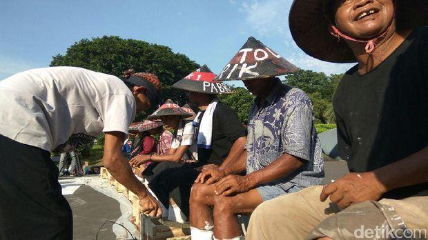 Petani Kendeng Minta Jokowi Hentikan Pembangunan Pabrik Semen