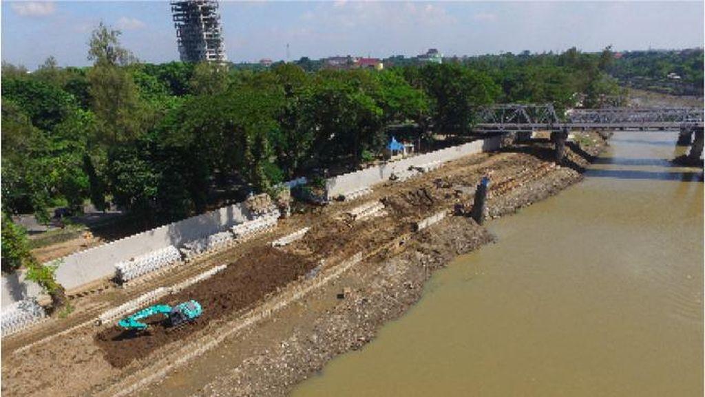 Cegah Banjir, Sungai Bengawan Solo dan Kali Pepe Dinormalisasi