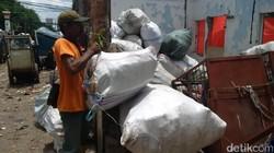 Kelurahan Pekojan di Tambora, Jakarta Barat, sangat aktif mengampanyekan sanitasi total berbasis masyarakat.