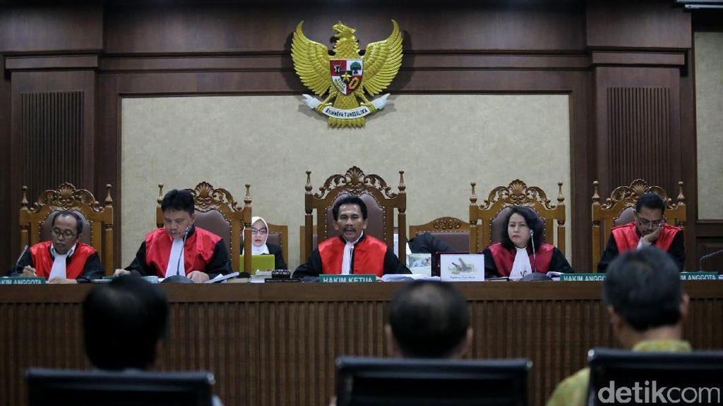 Tegur Saksi Terima Duit e-KTP, Hakim: Kebaikan Hati dari Hong Kong