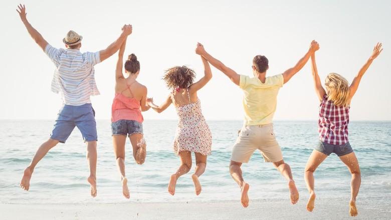 Ilustrasi turis di pantai (Thinkstock)