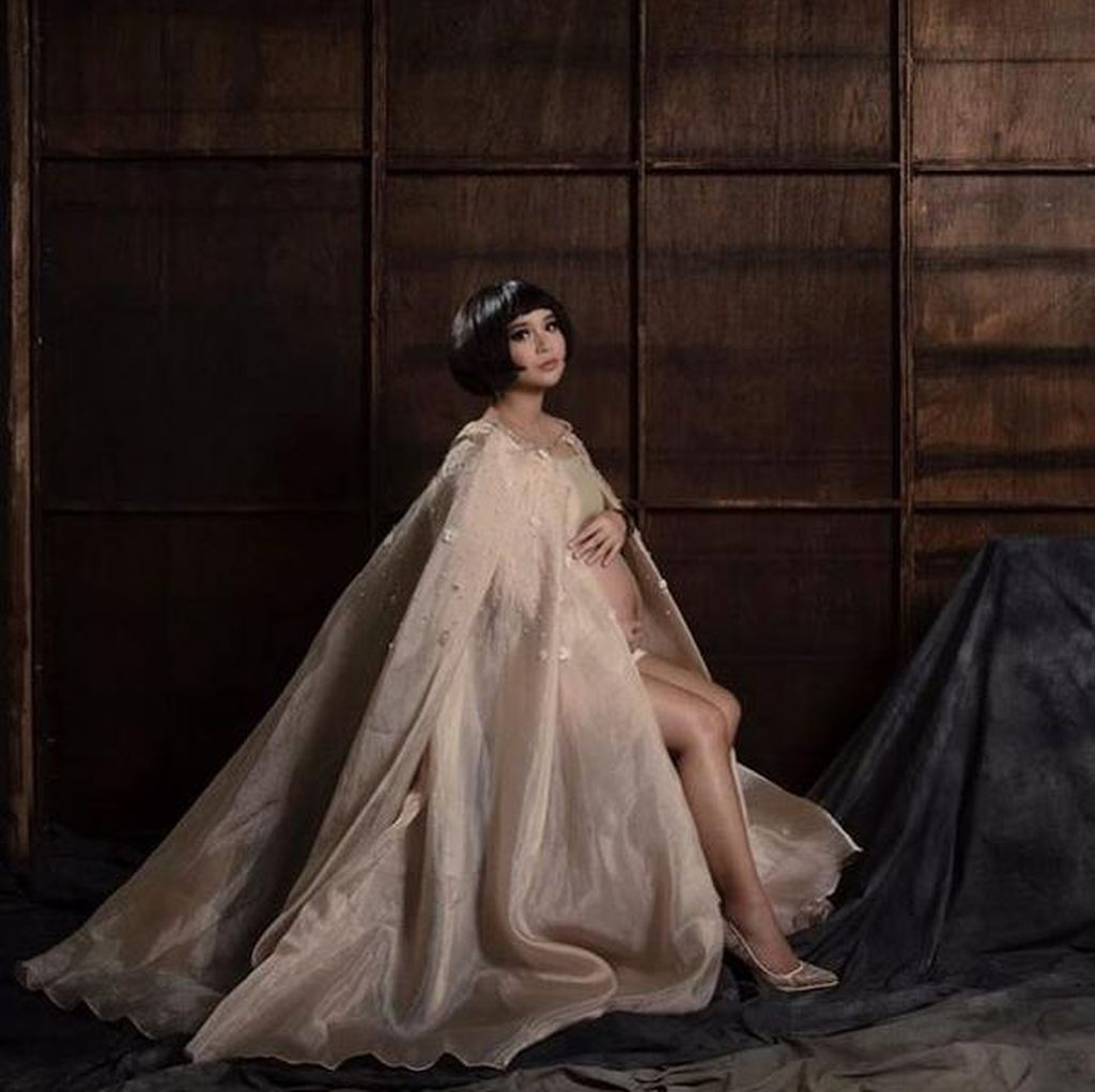 Putri Titian Anggap Foto Maternity Dobrak Mitos Pantangan Ibu Hamil