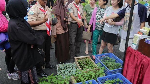 Berbagai produk pertanian ditawarkan di Minggu Pertanian