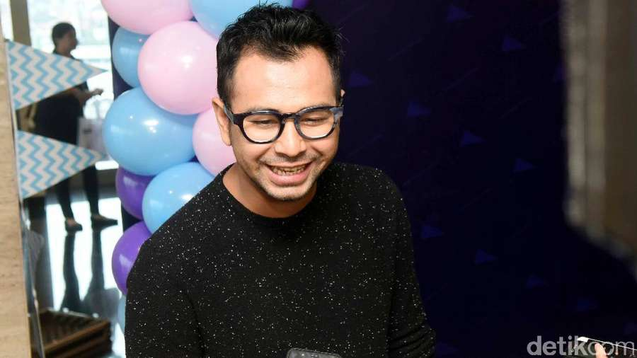 Diterpa Isu Selingkuh, Raffi Ahmad Tersenyum