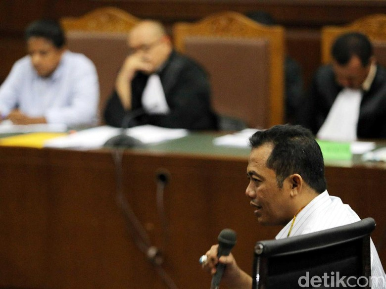 Hakim Tanya Adik Ipar Jokowi Alasan ke Jakarta Temui Dirjen Pajak