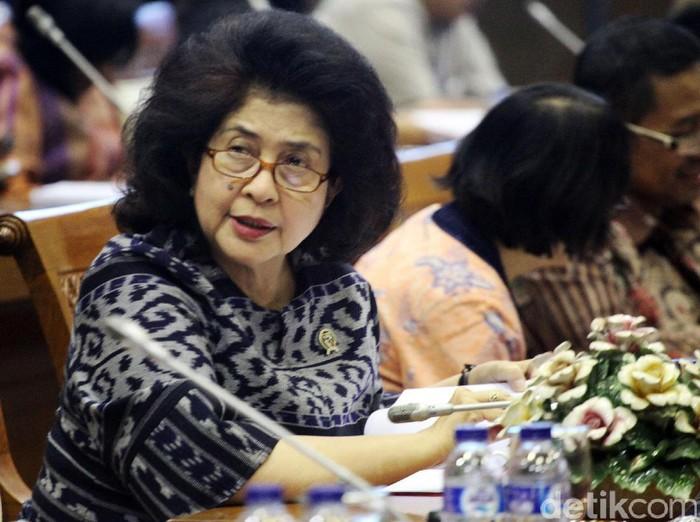 Menkes Nilla berharap adanya penelitian tentang dampak tembakau di Indonesia. Foto: Lamhot Aritonang