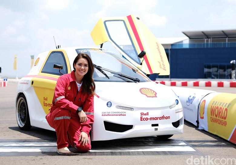Claire Jedrek, Ratu Balapan Cantik dari Singapura