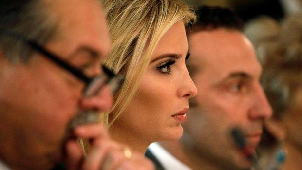 Ivanka Trump kerap mendampingi ayahnya dalam pertemuan penting di Gedung Putih