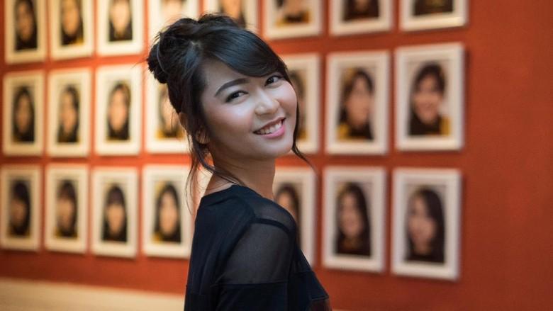 Veranda JKT48, Sosok Introvert yang Lulus Cum Laude