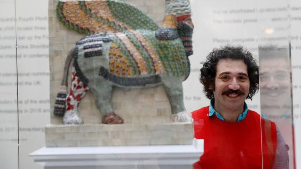 Dihancurkan ISIS, Patung Lembu Bersayap Kuno Irak Dibuat Kembali di Inggris