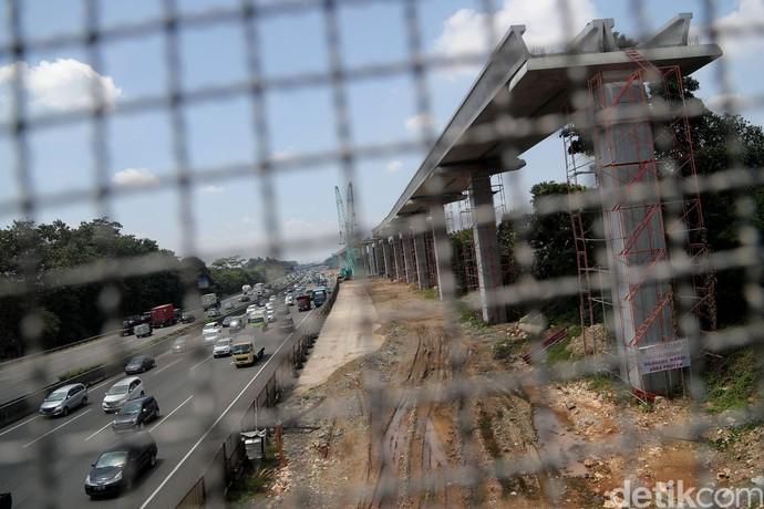 Pembangunan Proyek LRT Terus Dikebut
