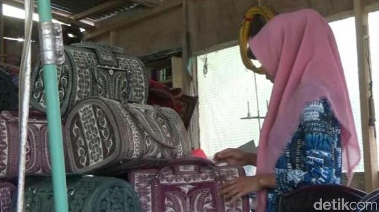 Produk Tas Motif Asal Aceh Ini Tembus Pasar ASEAN dan Eropa